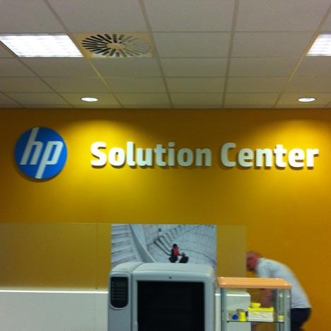 3D Buchstaben und Logos für Büro und Ladenbau / POS im Plattendirektdruck ( Plattendruck ) / Direktdruck Verfahren und Fräsen