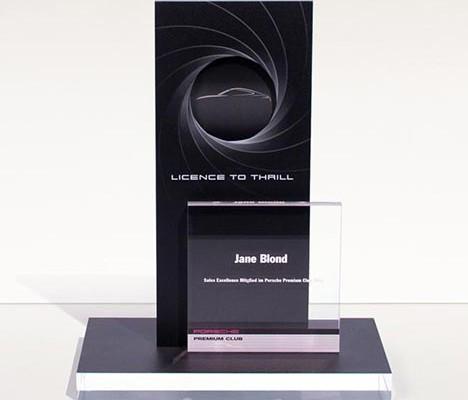 Acrylglas Pokal gefräst und beidseitig bedruckt im Plattendruck ( Plattendirektdruck ) / Direktdruck