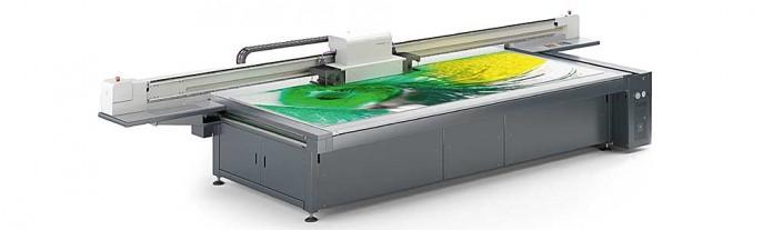 Direktdruck, Plattendruck auf Acrylglas, Glas, Alu Dibond, Metall, Aluminium, Holz, MDF und vielen anderen starren Materialien. Im Latexgroßformatdruck bedrucken wir Gewebestoffe und andere Rollenmaterialien. Im Fotodruck erzeugen wir aussergewöhnliche FineArt Drucke.
