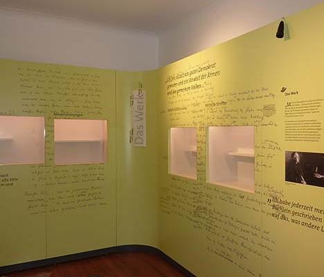Für die Ausstellung Hans Jakob produzierten wir in Museums- und Galeriequalität die Resopal Platten